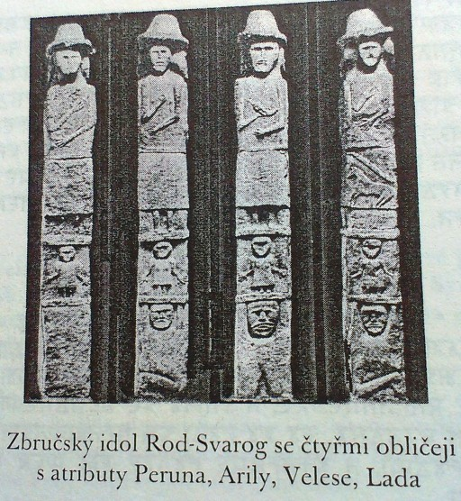 006_Rod Svarog s atributy