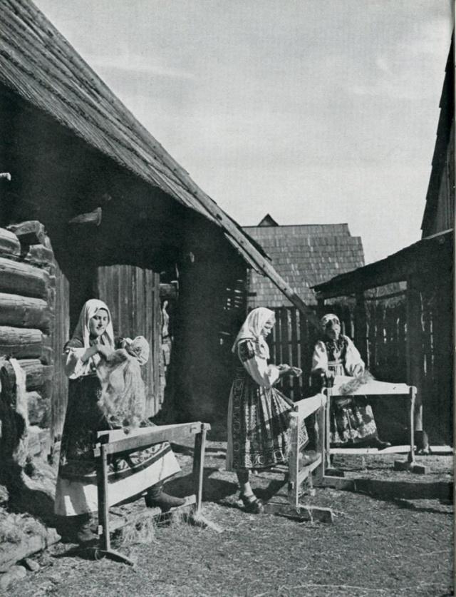 01_Трепание льна. Lipt. LUZNA (Словакия).