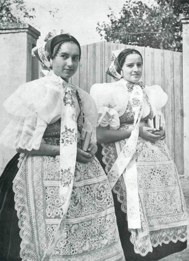 10_Девушки из Dolni Bojanovice- Моравии