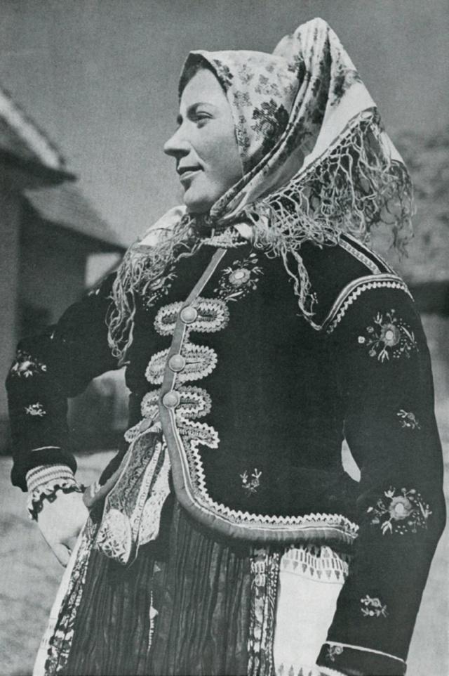24_Праздничный обрядовый женский зимний костюм. VAŽEC (Словакия)