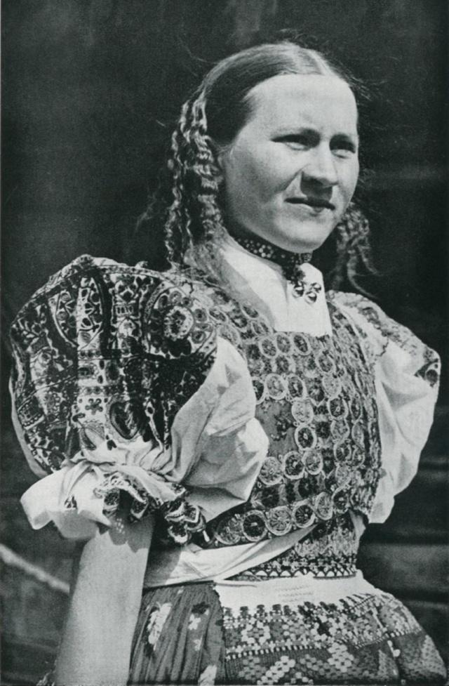 28_Обрядовый девичий костюм Slovakia