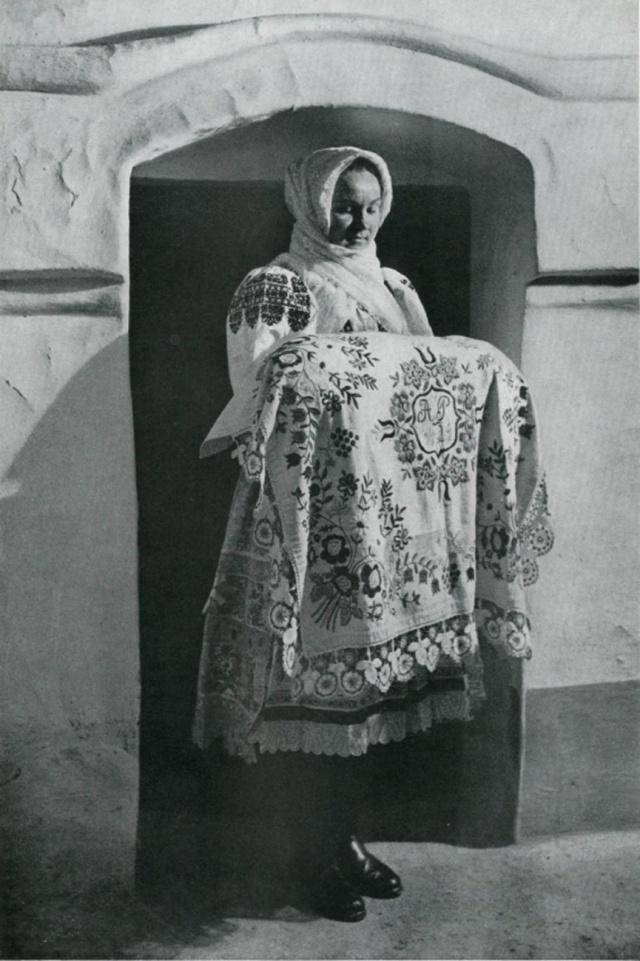 31_Обрядовый костюм для крещения. Slovakia